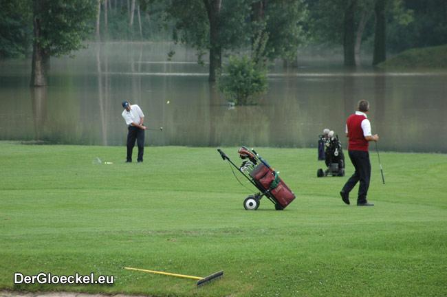 Hochwasser am Golfplatz