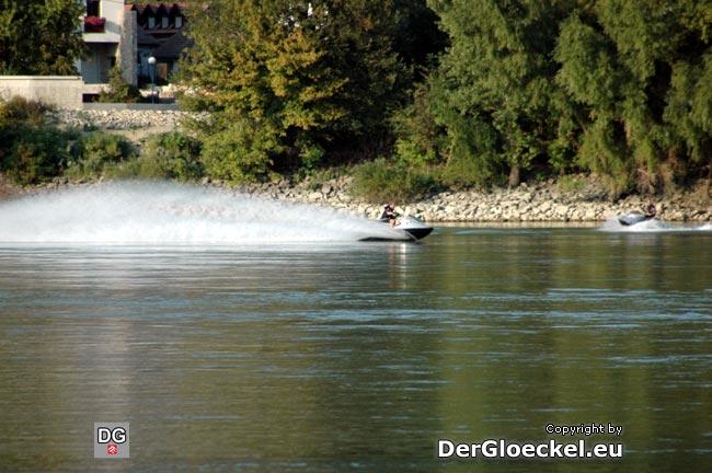 Der Sache gehen wir auf den Grund: In der Slowakei und Deutschland darf am Donaustrom mit Jetski gefahren werden und in Österreich nicht?! Brüssel, rechnen Sie mit Post aus Österreich