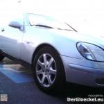 Benz Cabriolet am Behindertenparkplatz