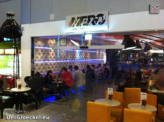 Café NERO in der Millennium City - was nützt eine nette Dekoration wenn es keinen Kaffee gibt? | Foto: DerGloeckel.eu